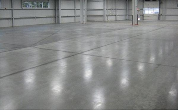 curatare pardoseli ciment beton